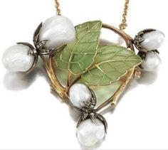 A little green… Art Nouveau Necklace ca.1900  via Art Nouveau & Art Deco
