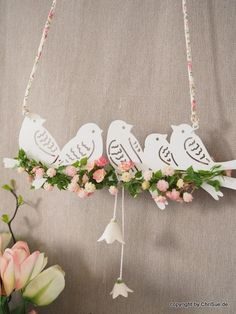 Bird Crafts, Easter Crafts, Diy And Crafts, Crafts For Kids, Arts And Crafts, Green Garland, Diy Ostern, Flower Garlands, Paper Flowers