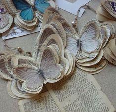 Como hacer mariposas de papel estilo vintage - Dale Detalles Adult Crafts, Fun Crafts For Kids, Paper Butterflies, Paper Flowers, Book Crafts, Arts And Crafts, Diy Paper, Paper Crafts, Origami