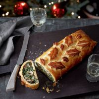 Mushroom & chestnut Wellington - can easily be made vegan by replacing the eggs, milk and butter with vegan alternatives Veggie Christmas, Vegan Christmas Dinner, Xmas Food, Christmas Cooking, Christmas Dinners, Christmas Christmas, Christmas Ideas, Christmas Tablescapes, Holiday Dinner