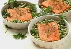 Jest to efektowne i szybkie danie obiadowe.Taki obiad z apetytem zjedzą też dzieci. Potrawa jest smaczna i kolorowa. Ryba tak przygoto...