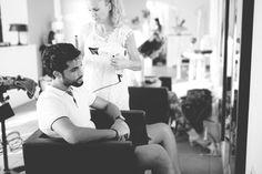 Claves para la elegancia masculina... Tan sencillo como cuidarse un poco y ser uno mismo. Modelo: Kike Peluqueria: Mas Q Pelos, Vanessa González  Traje: La Subasta Ceremonia Fotografía: Marta Mor - Fotografía, Marta Mor II Edición Celebra by Trendy Family, 22-23 octubre, Nules-#Castellón #menstyle #boda #haircut #grooming