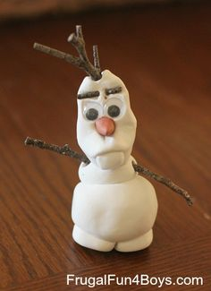 { Snowman Jar: Winter Decor that Kids Can Make! } Olaf from Frozen - made out of Model Magic!