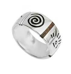 Ezüst gyűrű. Szilas Judit, ötvös. Egyedi ékszerkészítés. Mail.: szilasjudit@gmail.com , www.szilasjudit.hu
