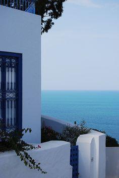 Sidi Bou Said, Tunisia Sidi Bou Said, Santorini, Tunisia Africa, Places To Travel, Places To Go, Sunken City, Beaux Villages, Future Travel, Beautiful Architecture