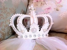 Shabby Chic Princess Girls White Baby Pink Cot Bed Crown Canopy Nursery Bedding