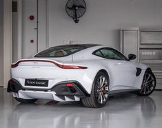 Big heads have purposes; – Aston Martin Vantage – Big heads have purposes; – Aston Martin Vantage – have - Aston Martin Vantage, Aston Martin Vanquish, Carros Aston Martin, Aston Martin Cars, Luxury Sports Cars, New Sports Cars, Best Luxury Cars, Sport Cars, Race Cars