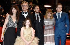 Charlotte Gainsbourg, Wim Wenders, James Franco, Marie Josee Croze, Robert Naylor e Lilah Fitzgerald (na frente) (Foto:  Pascal Le Segretain/Getty Images)