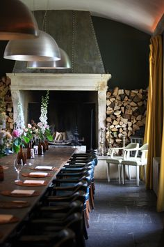'Faded glamour' comes to the rolling green hills of Somerset outside Bath. Imagine you have a very HIP aunty who regularly hosts a salon of artists, musicians and film makers at her moss covered Georgian estate, and you have an idea of the unique and vibrant atmosphere of Babington.