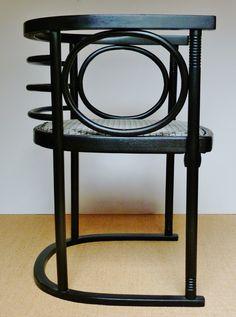Chair for Cabaret >Fledermaus< / Vienna - designed by JOSEF HOFFMANN - Manufacturer :THONET