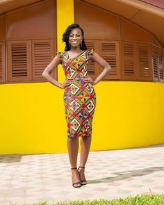 Looking for the best ankara fashion creative ideas and inspiration for your next fashion project? Look no further, here's the complete 2018 Most Creative Ankara Styles And Designs African Inspired Fashion, Latest African Fashion Dresses, African Dresses For Women, African Print Fashion, African Attire, Ankara Fashion, African Wear, Ghanaian Fashion, African Prints