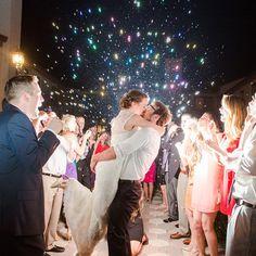 6 Dicas para a Saída dos Noivos na Cerimônia
