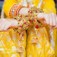 new collection - Hbangles n Accessories - via WedMeGood Bridal Bangles, Wedding Jewelry, Flower Jewellery For Mehndi, Flower Jewelry, Bridal Chuda, Mehndi Dress, Indian Wedding Photography Poses, Silk Thread Bangles, Vintage Hipster