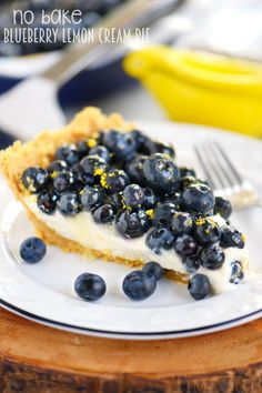 Wow your taste buds with this easy No Bake Blueberry Lemon Cream Pie! A delicious no bake dessert that's perfect for summer!