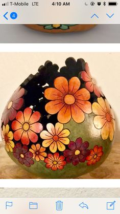 1 million+ Stunning Free Images to Use Anywhere Decorative Gourds, Hand Painted Gourds, Clay Crafts, Diy And Crafts, Arts And Crafts, Sculpture Art, Sculptures, Gourds Birdhouse, Barn Wood Crafts