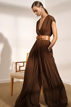 Ralph Lauren Pre-Fall 2019 Fashion Show Ralph Lauren . - Ralph Lauren Pre-Fall 2019 Fashion Show Ralph Lauren Pre-Fall 2019 colle - Brown Fashion, Look Fashion, High Fashion, Fashion Show, Autumn Fashion, Fashion Outfits, Womens Fashion, Street Fashion, Fashion Hacks