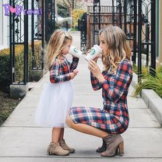 Mom daughter matching outfits