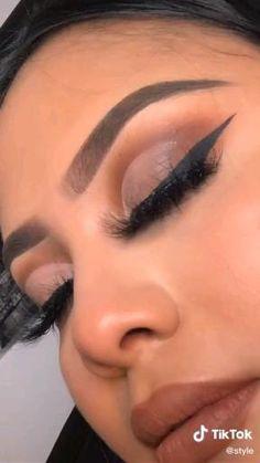 Dope Makeup, Makeup Eye Looks, Eye Makeup Steps, Eye Makeup Art, Eyebrow Makeup, Skin Makeup, Black Makeup Looks, Eye Makeup Cut Crease, Glam Makeup