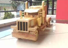 Wooden toy Truck – Peterbilt