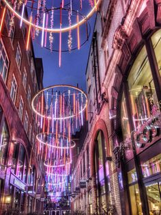 Several people stopped to take photos of the Covent Garden Christmas lights so I felt compelled to have a go.