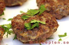 Recept på Lammfärsbiffar med timjan. Supergoda men enkla att göra. Bilder steg för steg. Meatloaf, Salmon Burgers, Broccoli, Food And Drink, Keto, Lunch, Ethnic Recipes, Tips, Lamb