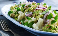 Cauliflower salad with guacamole
