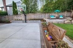 Sports-court Landscape Design in Beaverton, Oregon by Paradise Restored Landscaping & Exterior Design in Potland, Oregon shows a family landscape design Small Backyard Landscaping, Backyard Patio, Landscaping Ideas, Driveway Landscaping, Backyard Sports, California Backyard, Landscape Design Small, Outdoor Basketball Court, Patio Design