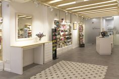 La Farmacia de Helena by La i design, Santiago de Compostela – Spain » Retail Design Blog