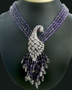 I really love Beauty Bling Jewelry! Jewelry takes people's minds off your wrinkles. Peacock Jewelry, Purple Jewelry, Bling Jewelry, Beaded Jewelry, Beaded Necklace, Jewelry Design Drawing, Gold Jewellery Design, Luxury Jewelry, Unique Jewelry