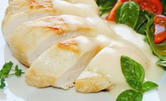 Pollo con salsa blanca