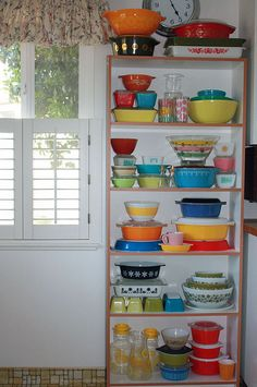Wow! Lots of pyrex!