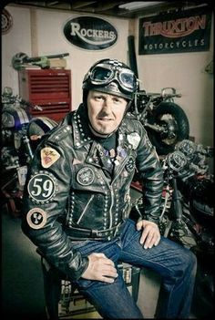 Carpy is a true cafe bike builder. His style is VERY VINTAGE cafe racers. From one bike builder to another, I must admit I am a fan! Motorcycle Leather, Biker Leather, Motorcycle Outfit, Motorcycle Jackets, Leather Skin, Leather Jackets, Cafe Racer Jacket, Vintage Cafe Racer, Biker Boys