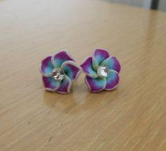 Hawaiian Flower Earrings/Polymer clay by CreationsbyMaryEllen