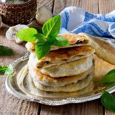Friand léger aux champignons et bacon Entrees, Bacon, Brunch, Ethnic Recipes, Desserts, Food, Beignets, Quiches, Bricks