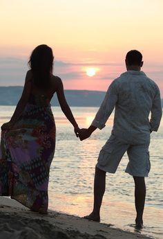 """""""Non si sceglie di avere una persona accanto per peggiorare la propria vita, ma per migliorarla.  E se l'amore non porta a questo o non è amore o è un amore malato"""".  (Osho) Spesso i disturbi di ansia o dell'umore sono influenzati dalla nostra vita relazionale. E' importante stabilire un legame sentimentale con la persona che può realisticamente migliorare la nostra vita!"""