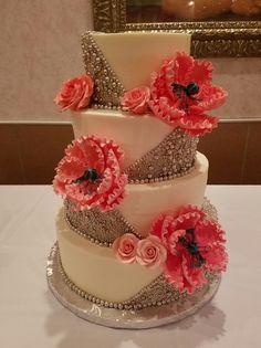 Silver Wedding Cake. Silver Fade Wedding Cake. Metallic Cake. Wedding Cake. Wedding Planning. Trendy Wedding.
