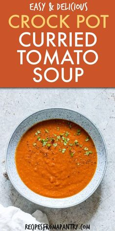 This Slow Cooker Tomato Soup is a flavourful & warming soup to serve on chilly autumn days and a nutritious weeknight meal. Slow Cooker Recipes Dessert, Lunch Recipes, Crockpot Recipes, Cooking Recipes, Gf Recipes, Chili Recipes, Healthy Recipes, Slow Cooker Tomato Soup, Slow Cooker Curry