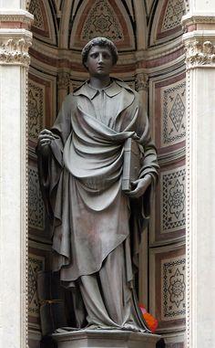 SANTO STEFANO - Lorenzo Ghiberti - statua di bronzo a tutto tondo eseguita con la tecnica della fusione a cera perduta - 1427/1428 - commissionata dall' Arte della Lana  - fa parte del ciclo delle quattordici statue dei protettori delle Arti di Firenze nelle nicchie esterne della chiesa di Orsanmichele