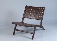 Nojatuoli Plootusta 359,00e, tummapuu-jalka, ruskea verhoilu