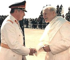 CHILE, Pinochet y el papa_OK Papa Juan Pablo Ii, St John Paul Ii, Saint John, Santa Sede, Great Leaders, Atheist, Captain Hat, Mens Sunglasses, Christian