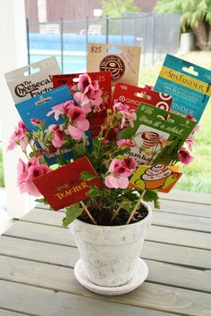 Trisha B Blog: End of the Year Teacher Gift ~ Gift Card Bouquet and Memory Book