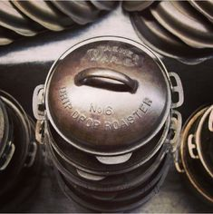 Vintage Cast iron Guide Wagner Cast Iron Roasters O Neil Museum. Cast Iron Care, Cast Iron Pot, Cast Iron Dutch Oven, It Cast, Cast Iron Skillet Cooking, Iron Skillet Recipes, Cast Iron Recipes, Vintage Cast Iron Cookware, Dutch Oven Cooking