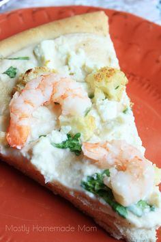 Alfredo sauce piled high with arugula, garlic roasted cauliflower, shrimp and feta. Such a great twist on pizza! Seafood Dishes, Fish And Seafood, Shrimp Pizza, Crispy Pizza, Flatbread Pizza, Seafood Restaurant, Roasted Cauliflower, Pizza Recipes, Pizza