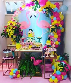 Balloon Decorations, Birthday Party Decorations, Party Themes, Flamingo Birthday, Flamingo Party, Birthday Party For Teens, 1st Birthday Girls, Aloha Party, Flamingo Decor