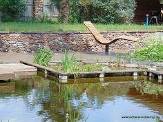 Sonnenliege SunDivan Moderne Pools, Backyard Gazebo, Garden Bridge, Lounge, Outdoor Structures, Chair, Gardens, Outdoor Seating, Home And Garden