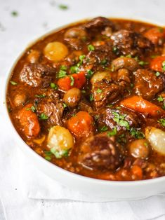 Beef Bourguignon, an easy and delicious beef stew recipe. The perfect winter warmer dinner. It can be cooked in a slow cooker, oven or pressure cooker. Beef Bourguignon Slow Cooker, Bourguignon Recipe, Slow Cooker Beef, Pressure Cooker Recipes, Tasty Beef Stew Recipe, Beef Recipes, Cooking Recipes, Healthy Recipes, Delicious Recipes