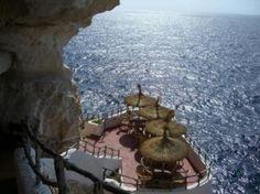 Cova d´en Xoroi - Menorca. A cave bar I went to. Loved it. Menorca, Vacation Destinations, Dream Vacations, Vacation Spots, Ibiza, Beautiful World, Beautiful Places, Unique Restaurants, Exploration