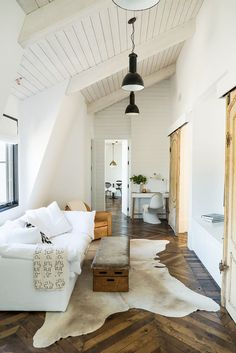 Chevron wood flooring! We're Calling It: Minimalists Will Love This Trendy Take on Neutrals via @MyDomaine