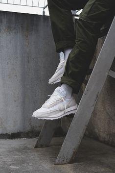 "Collaboration entre Nike et Sacai ""white nylon"" sur une LD Waffle #chaussures #baskets #sneakers #nike #sacai #nikesacai #whitenylon #ldwaffle Nylons, Baskets, Waffle, Collaboration, Adidas Sneakers, Lifestyle, Live, Shoes, Zapatos"