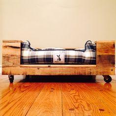 Cama del perro de madera de palet por PROJECTrodrigo en Etsy